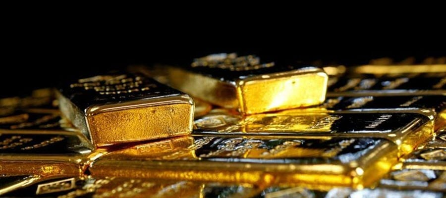 Gold rose on Friday, having declined over 1% in the previous session, as persistent concerns over the pandemic-led economic slump boosted the metal's appeal, although gains were restricted by a jump in U.S. Treasury yields.